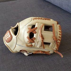 Marucci HTG Series glove 11.25in